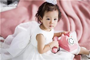 为婴儿和儿童拍照需耐心才行,关于摄影用光和姿势规定有哪些?
