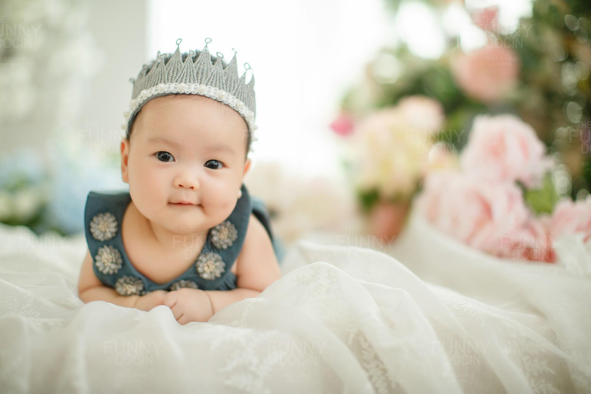 三个月宝宝不会坐,怎么拍百天照