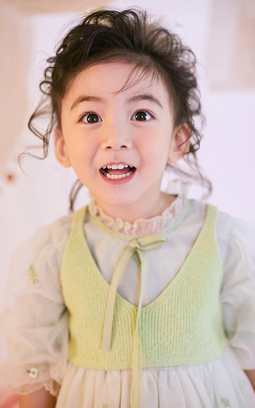 芳妮豆丁儿童摄影 玲珑